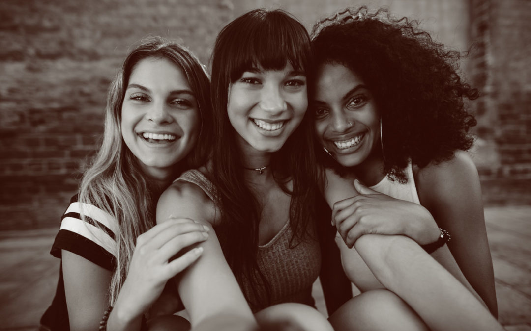 Women: let's make a pact about friendships